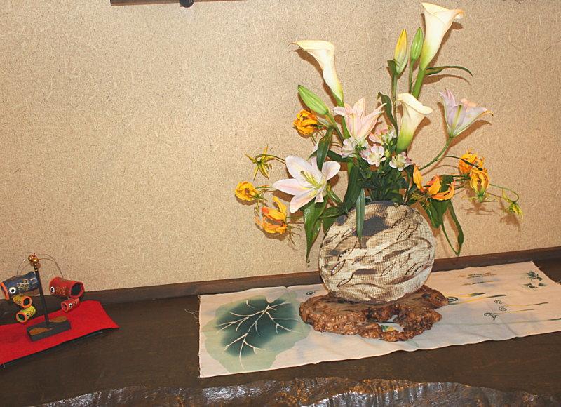 清流の宿たむらの生け花
