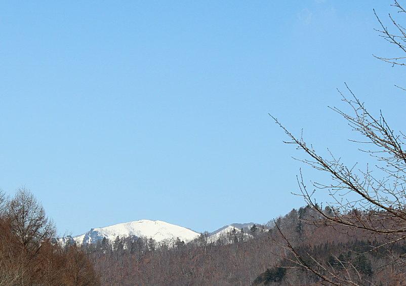 残雪の武尊山&源泉掛け流し貸切露天風呂