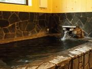 天然温泉掛け流しの貸切風呂